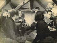 Mediala 1963, susret u potkrovlju