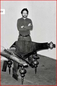 Peđa Ristić sa drndafonom, 1966, SKC Arhiv