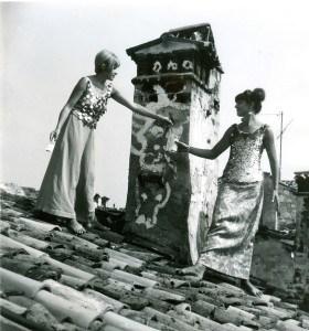 Olja Ivanjicki i Ljiljana Petrović, Rovinjski krovovi, 1966, hepening, oslikavanje dimnjaka