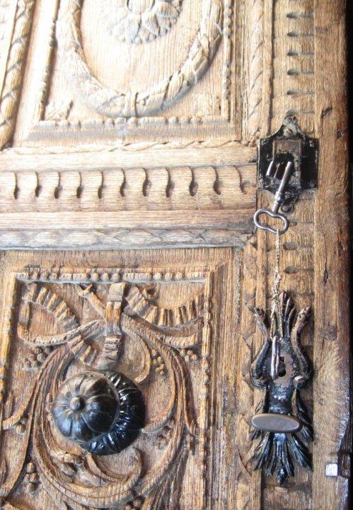 KArlovci, porta crkve Svetog Petra i Pavla