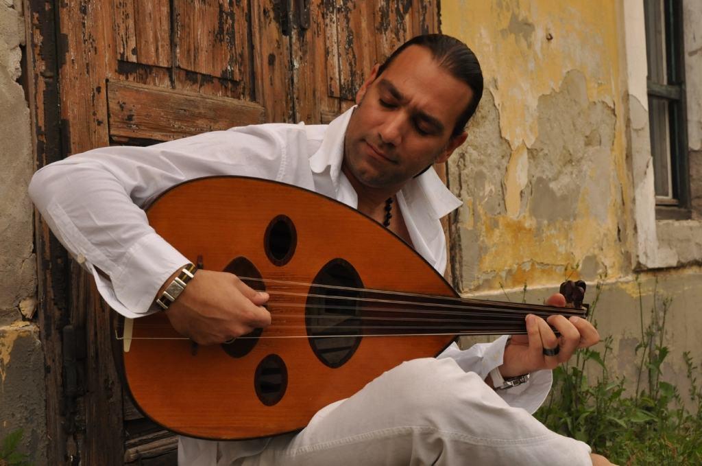 Omar Bašir, umetnik iz Iraka