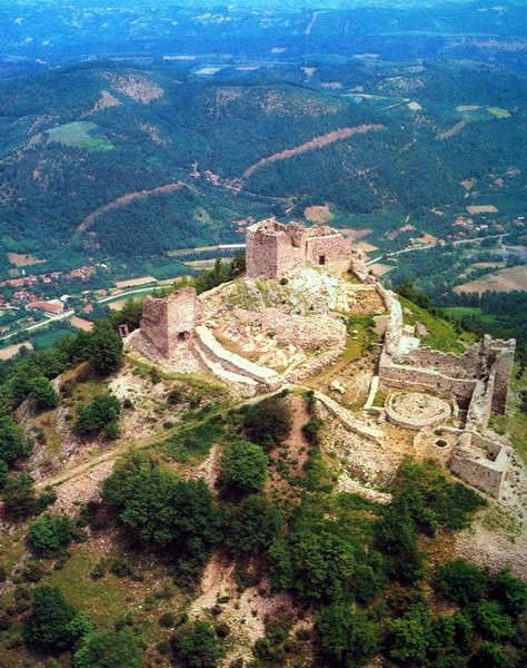 Srednjovekovna tvrđava Koznik, nadomak Aleksandrovca
