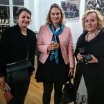 "Segolan De Pere, An-Katrin Rober Oglstin i Tamara Ognjević na otvaranju ""GOZBE"" u Parizu, 4. februara 2016."