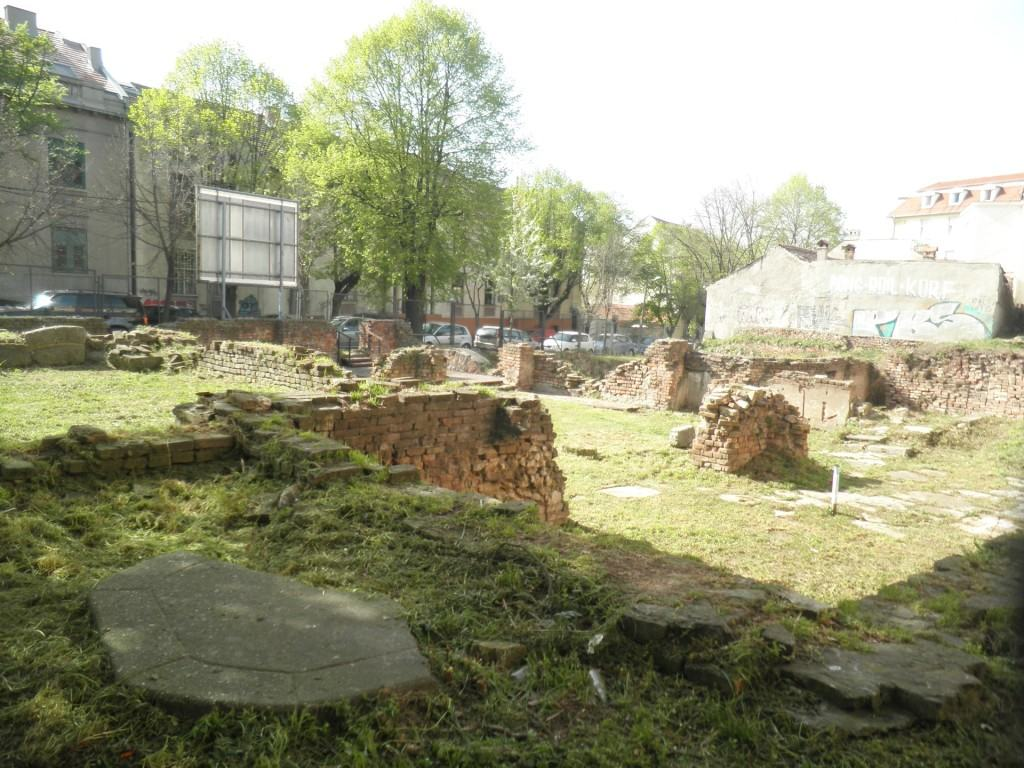 Ostaci bombardovane Narodne biblioteke foto S. Spasić