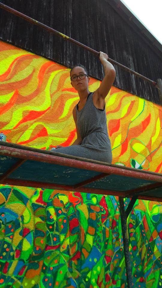 Aki Zum tokom slikanja murala u Arilju, foto Milan Pajević