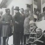 "Kralj Aleksandar I Karađorđević ispred vile ""Dobro polje"" 1929. godine"