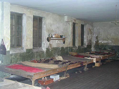 Muzej banjičkog logora, rekonstrukcija logoraške sobe, foto: Muzej grada Beograda