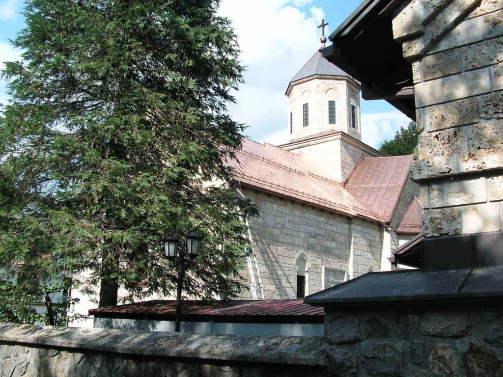 Manastir Moštanica, foto Laura Barna
