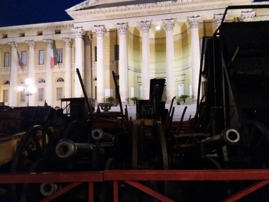 scenografija Nabuka, topovi, Verona 2017