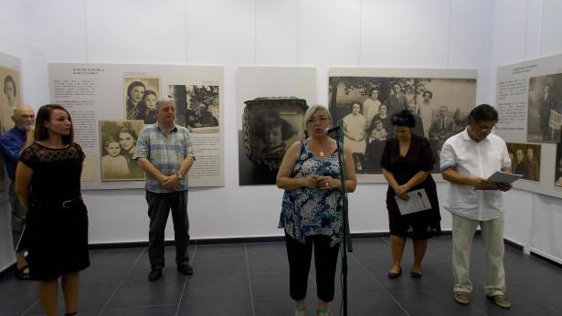 Milka Ljuboja na otvaranju izložbe u Zrenjaninu-foto Narodni muzej Zrenjanin