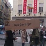 """Neobični performans u centru Beograda pozvao na """"Suočavanje"""""""