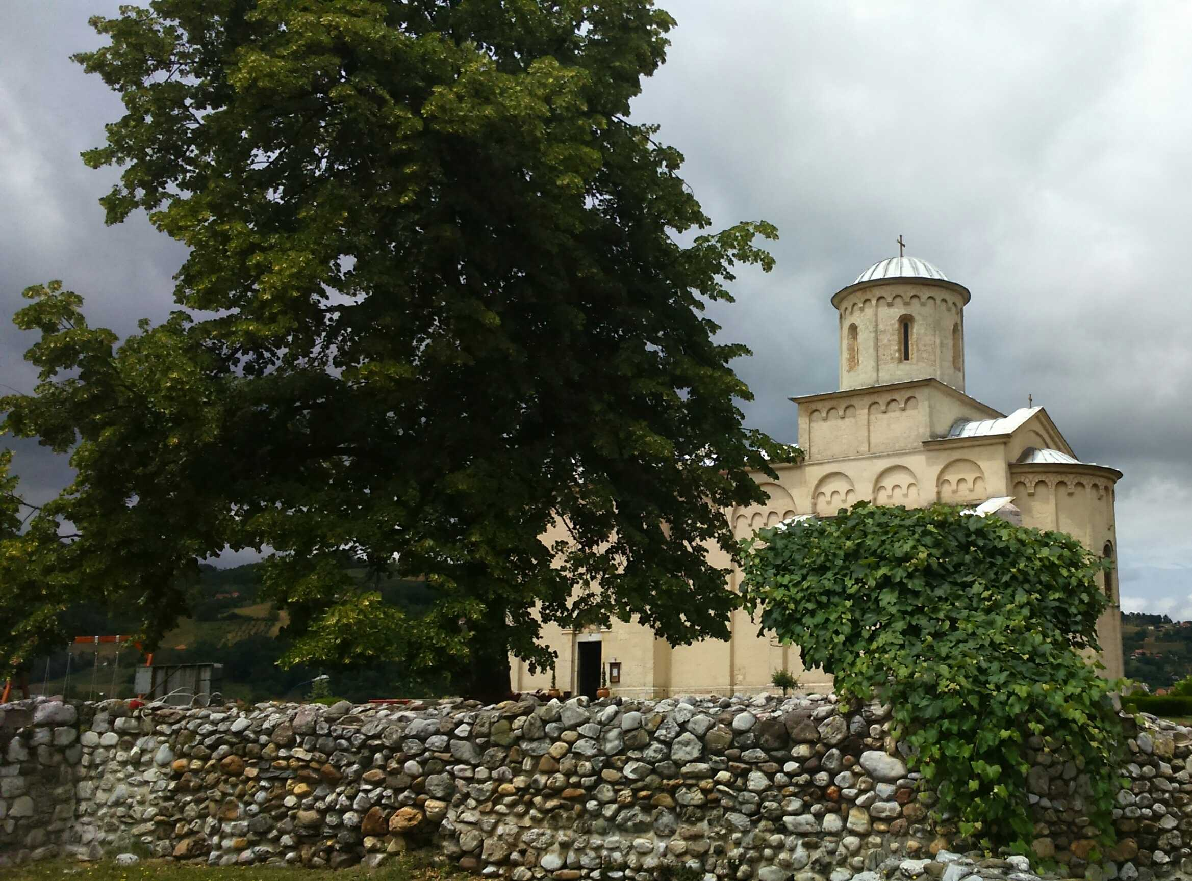 Arilje, Crkva svetog Ahilija, zadužbina kralja Dragutina